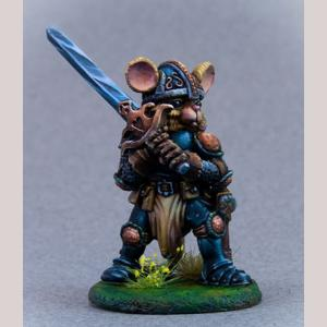 Mouse Paladin with Two Handed Sword